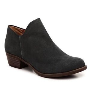 LUCKY BRAND | BRETT BLACK SUEDE ANKLE BOOTIES